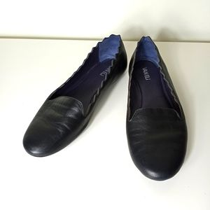 VANELi Bibbie Black Leather Flat Size 10M